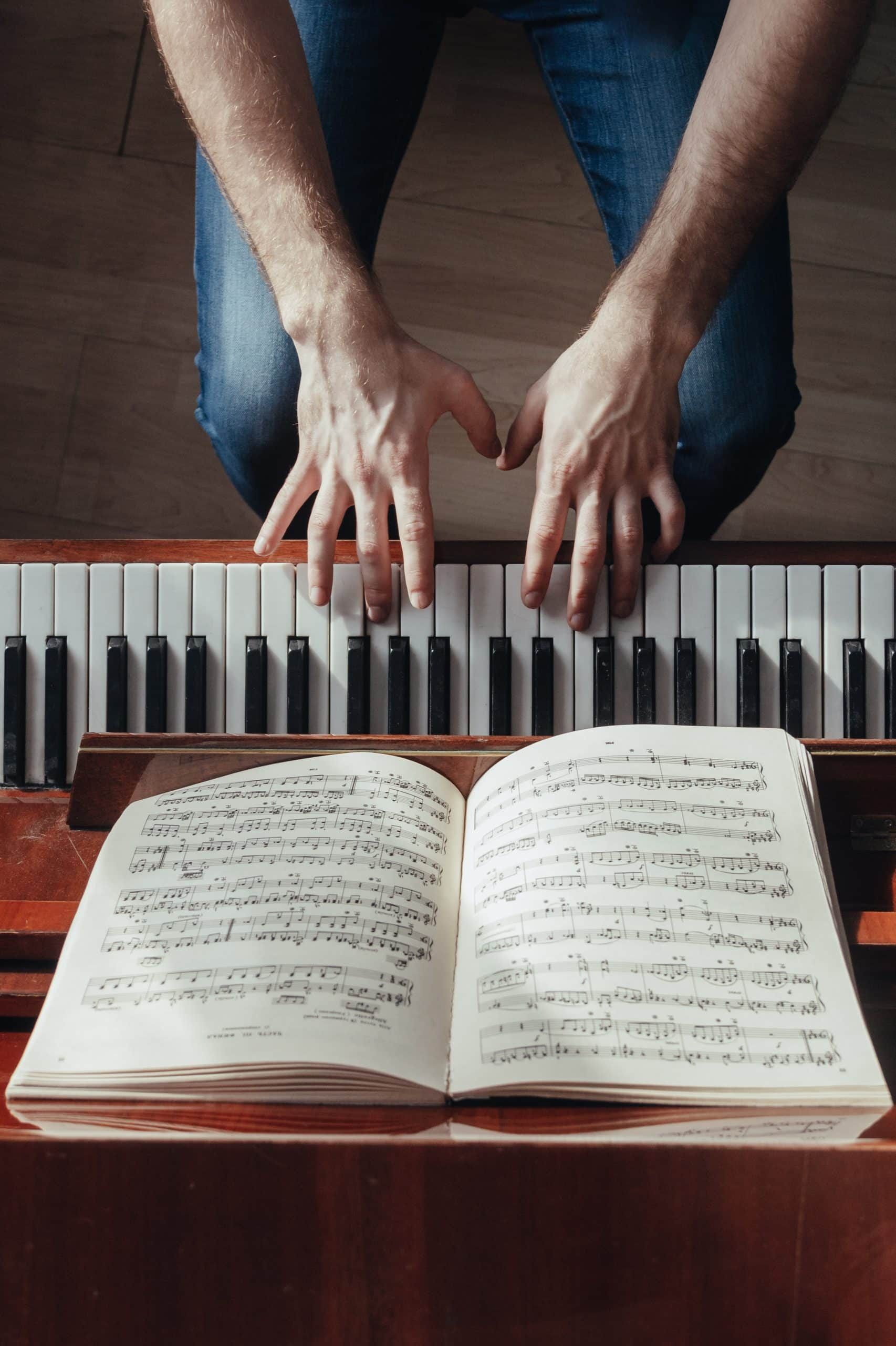 Take you piano lessons everywhere with online lessons from SA to USA